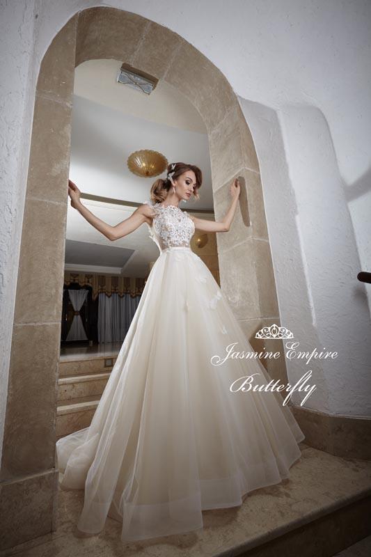 c220fb5544 Suknia ślubna Jasmine Butterfly - ❤️Profesjonalne salony ślubne ze ...