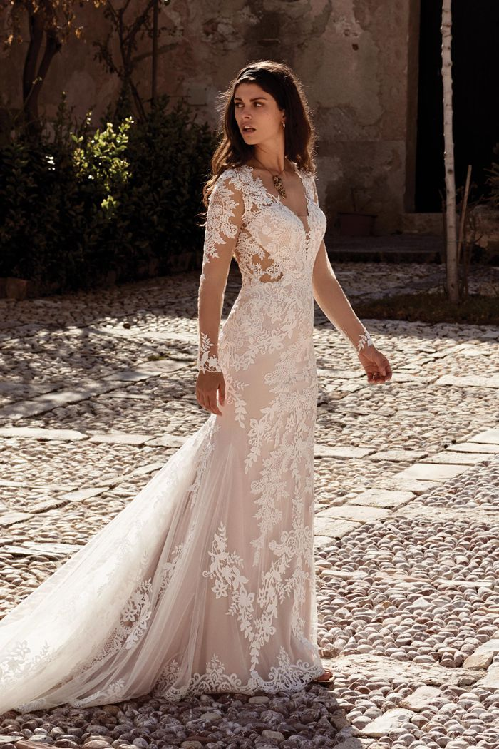 Suknia ślubna Lillian West 66084