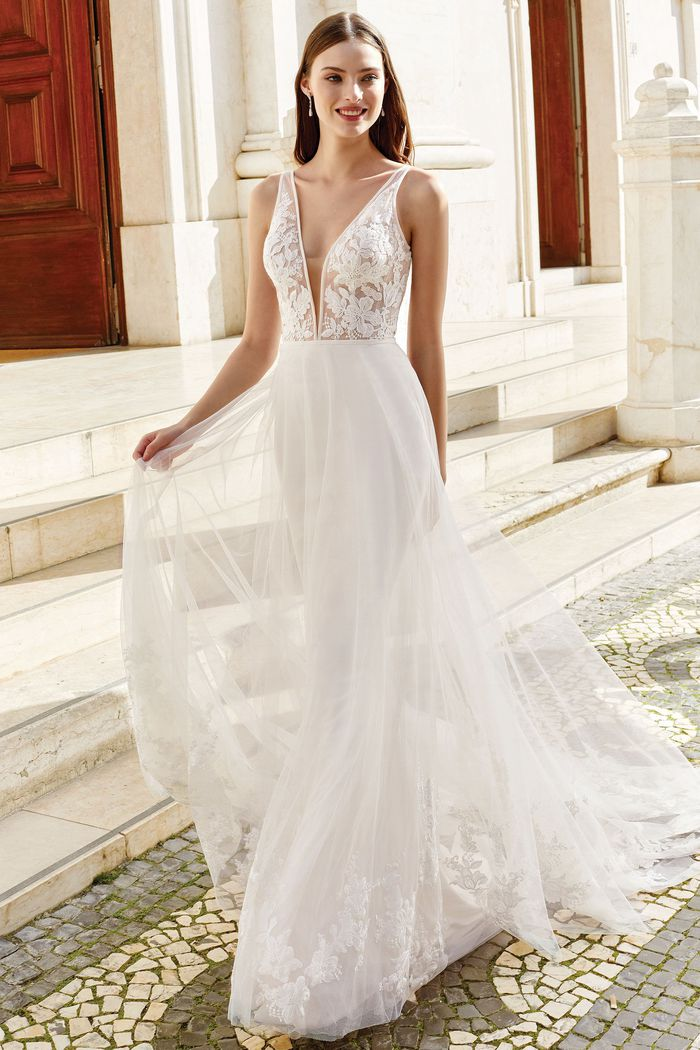 Suknia ślubna Adore 11158