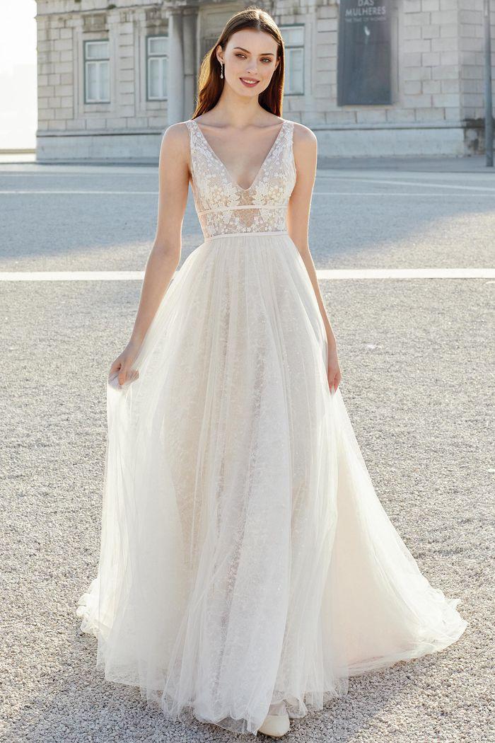 Suknia ślubna Adore 11160