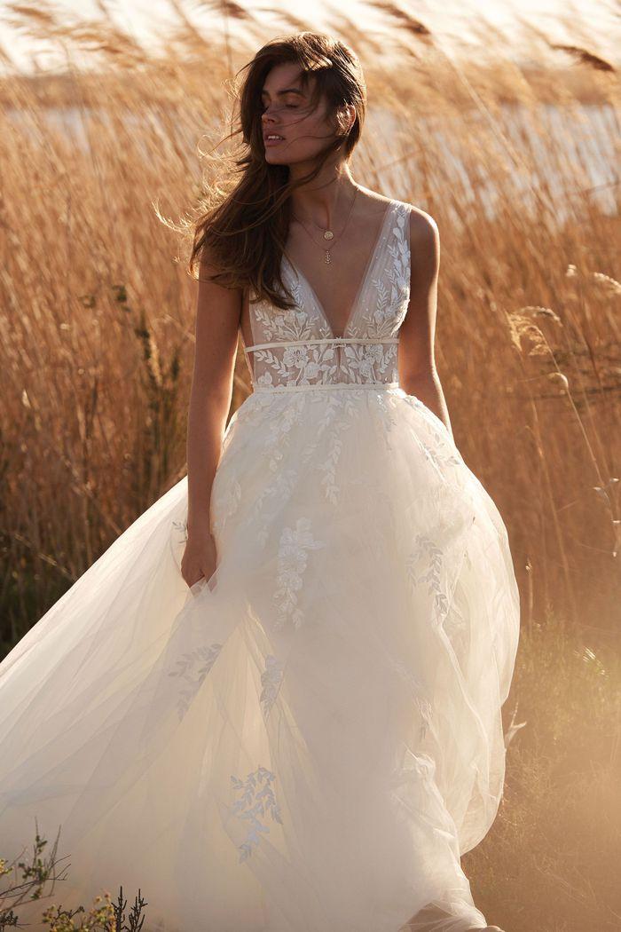 Suknia ślubna Lillian West 66155